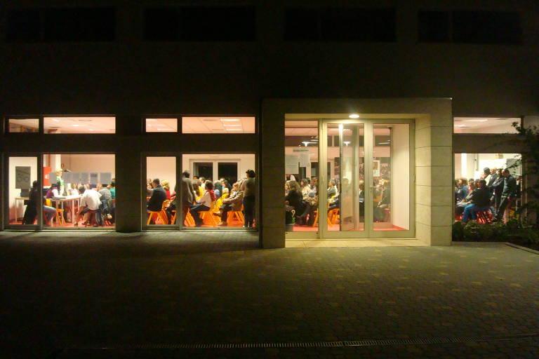Vista de sala de aula da Escola da Ponte