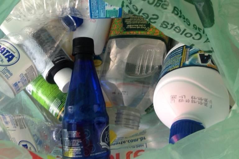 plásticos para reciclagem