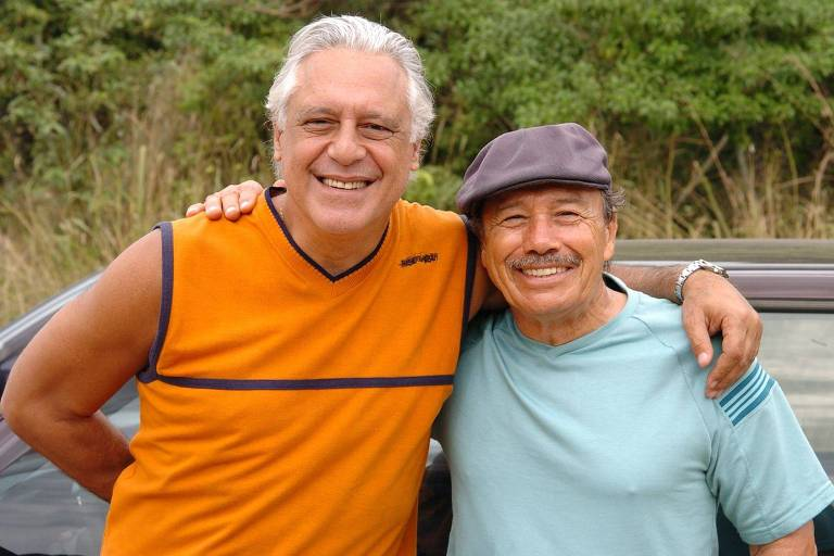 """Os atores Antonio Fagundes e Stênio Garcia em cena da segunda versão da série """"Carga Pesada"""""""