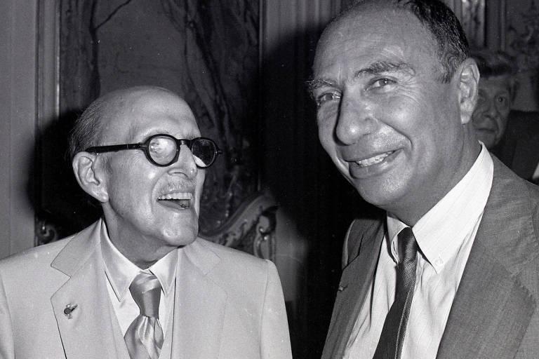 Serge Dassault (dir.) em Paris ao lado do pai Marcel, fundador do grupo empresarial da família