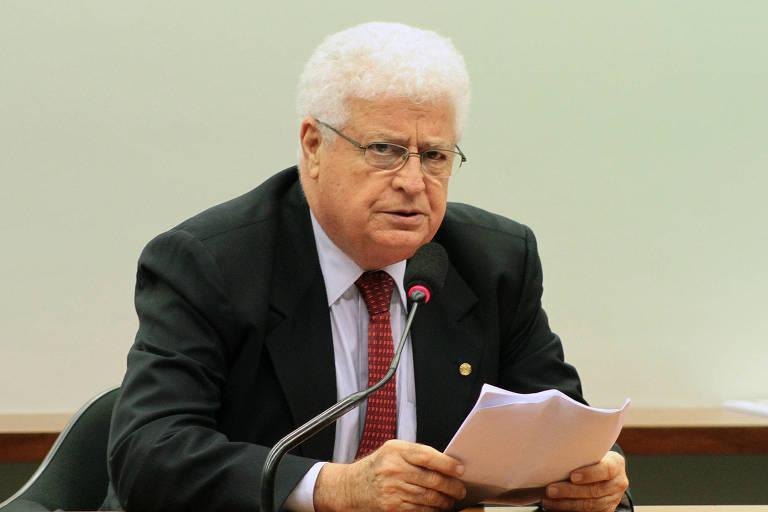 O então deputado Nelson Meurer (PP-PR) em reunião da Câmara, em 2013