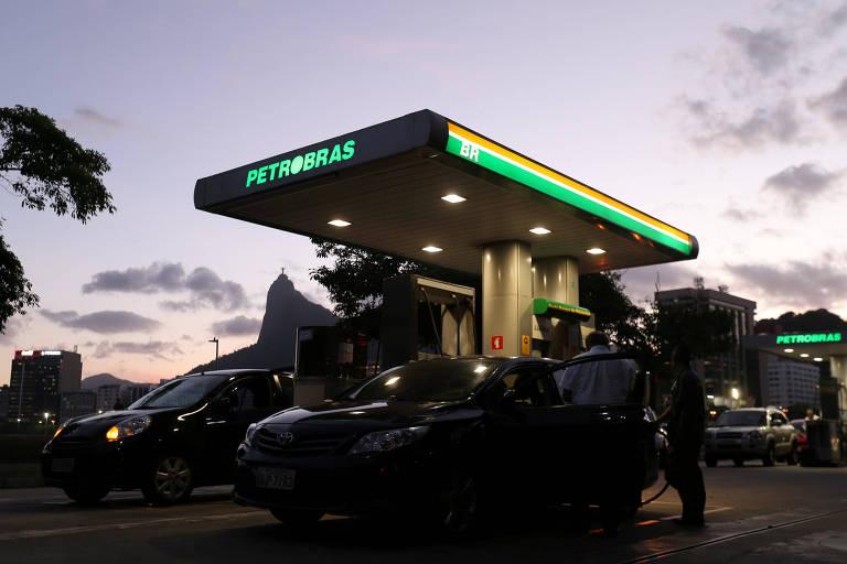 Postos de gasolina no Rio durante greve
