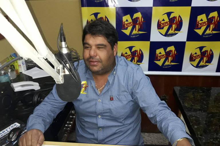 Fernando Pereira, um dos locutores da Rádio Liberal FM, de Dracena, no interior de SP