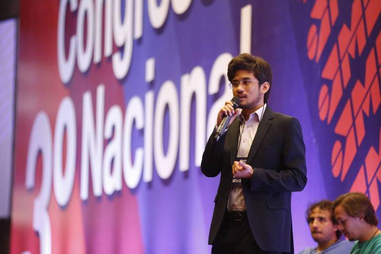 Kim Kataguiri fala durante o 3º Congresso Nacional do MBL, em novembro de 2017
