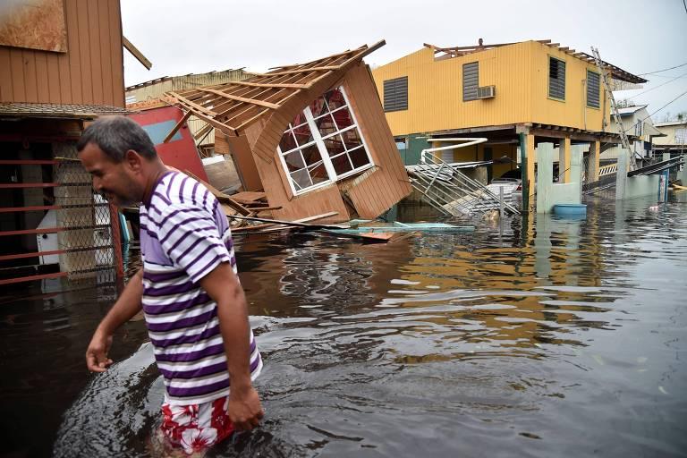 Estragos provocados pelo furacão Mariana na cidade de Catano, em Porto Rico