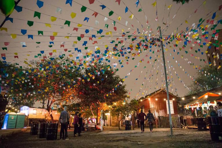 Edição da festa junina Arraial Nos Trilhos, na Mooca