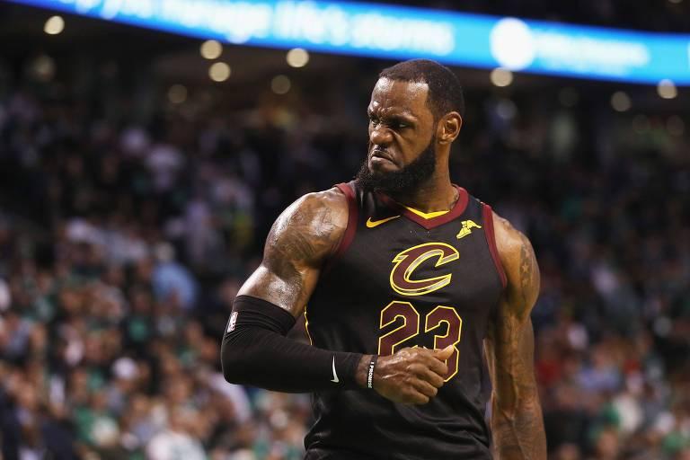 Amor e ódio de Cleveland por LeBron James