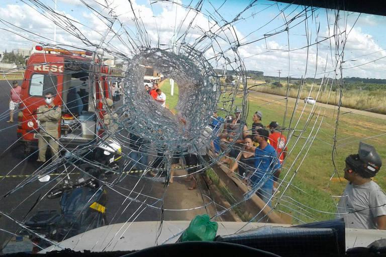 Caminhão foi apedrejado por manifestantes em Rondônia
