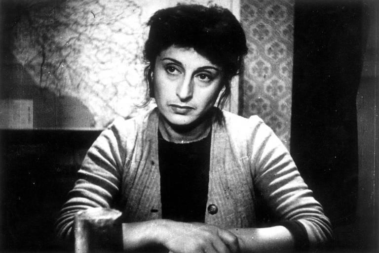 """A atriz italiana Anna Magnani em cena do filme """"Roma, Cidade Aberta"""", de 1945"""