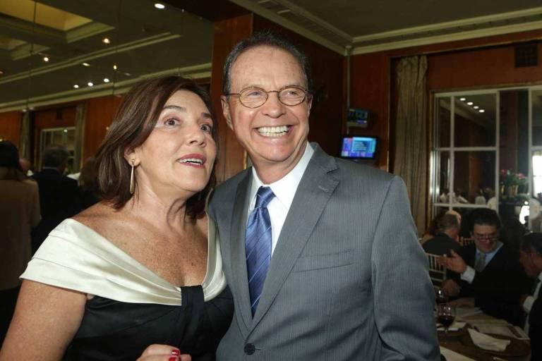 O jornalista Hermano Henning com a mulher Cassia Miranda no Grande Premio Sao Paulo, realizado no Jockey Club de Sao Paulo, em 2014