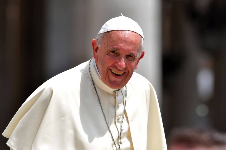 O papa Francisco participa da audiência semanal na praça São Pedro, no Vaticano