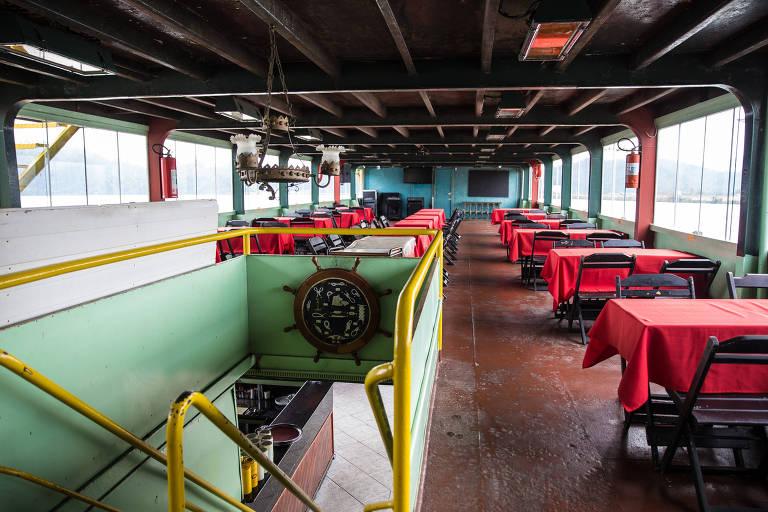 São Paulo, SP, Brasil, 24-05-2018: Salão do restaurante flutuante Atrevidu's, na represa Billings, em São Bernardo do Campo. (Foto: Alberto Rocha/Folhapress)