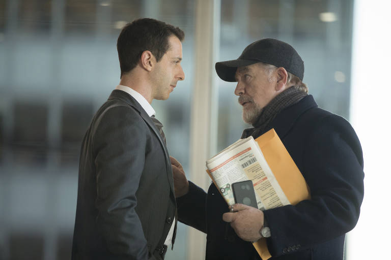 Jeremy Strong e Brian Cox em cena de Succession, da HBO