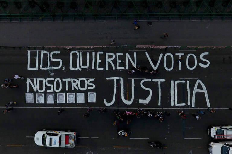 Protesto de jornalistas pede justiça, na Cidade do México, em 2018