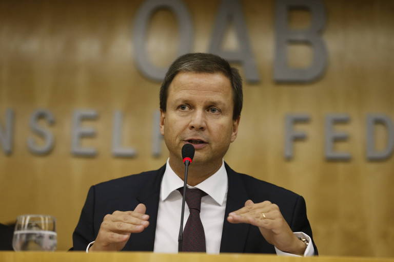 O presidente nacional da OAB, Claudio Lamachia, em reunião da entidade em 2016