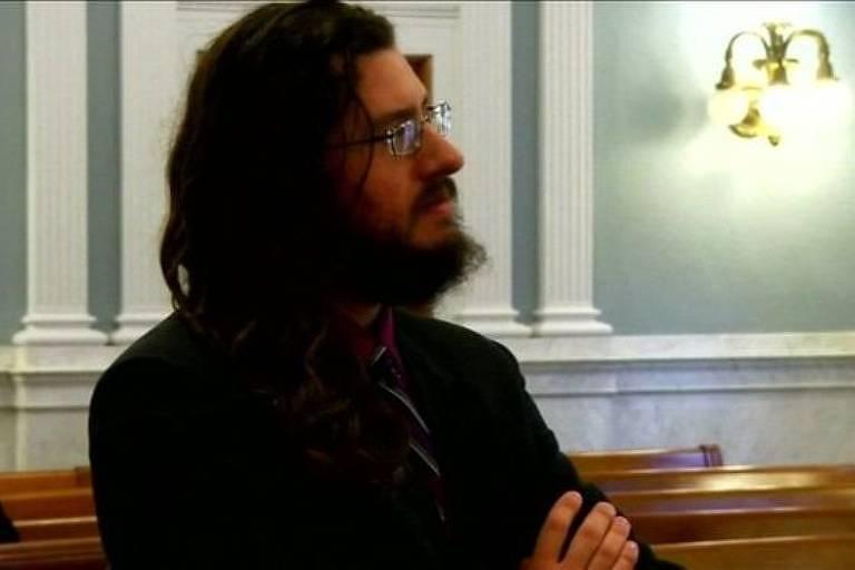 Michael Rotondo disse, no tribunal, que não entendia o por que os pais não poderiam esperar mais seis meses para que deixasse a casa da família