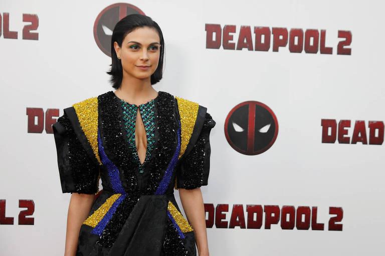 A brasileira Morena Baccarin posa na estreia de 'Deadpool 2'