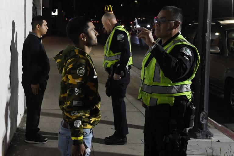 15279754795b130e379b481 1527975479 3x2 md Negros e latinos são 86% dos presos por droga em Nova York