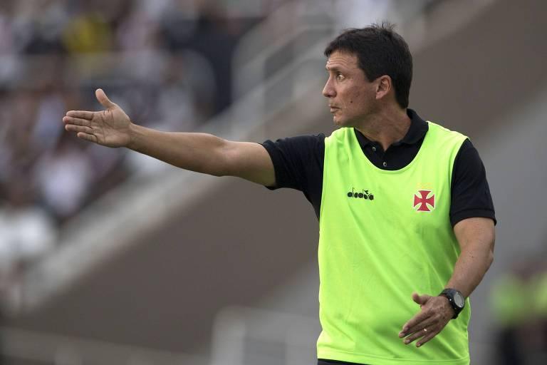 Zé Ricardo, em ação comando o Vasco, a última equipe pela qual trabalhou, justamente contra o Botafogo, na decisão do Campeonato Carioca 2018