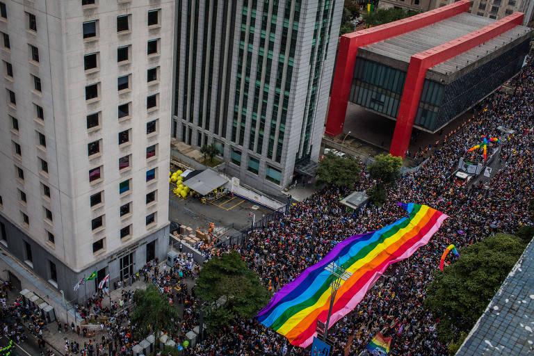 Movimentação na 22ª edição da Parada do Orgulho LGBTQ, na Avenida Paulista
