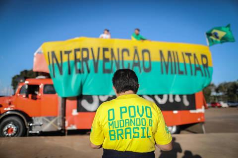 Bolsonaro pede ao Supremo que ignore parecer de Temer sobre caminhoneiros