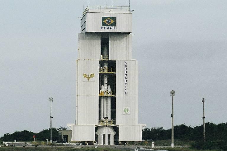 O VLS-1 (Veículo Lançador de Satélites) na plataforma do Centro de Lançamento em Alcântara (MA)