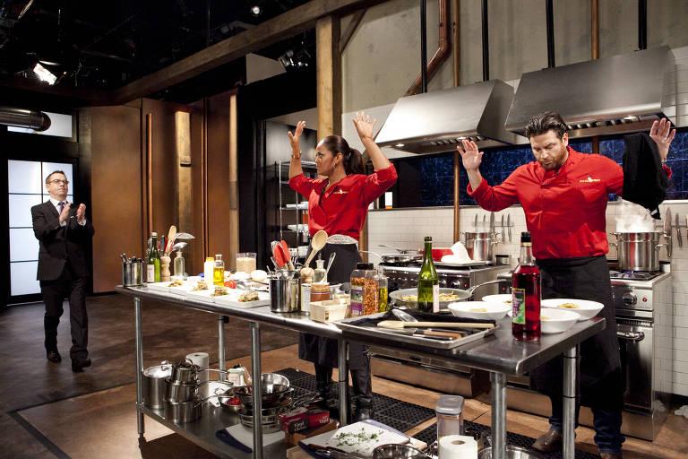 Chefes profissionais disputam prêmio no programa Chopped, da Discovery Home & Health