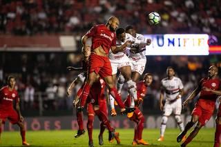 São Paulo e Internacional.