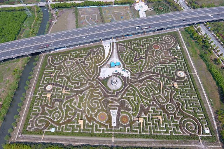 Labirintos para se perder no mundo