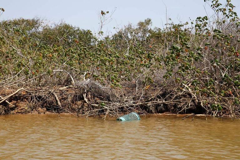 lixo no rio paraíba do sul