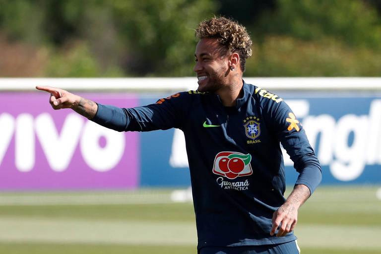 Neymar durante treino da seleção brasileira em Londres