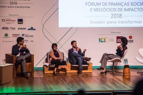 Daniel Izzo, cofundador da Vox Capital (à esq.), Célia Cruz, diretora-executiva do ICE (Instituto de Cidadania Empresarial), Henrique Bussacos, cofundador do Impact Hub São Paulo, e Bettina Barros, jornalist