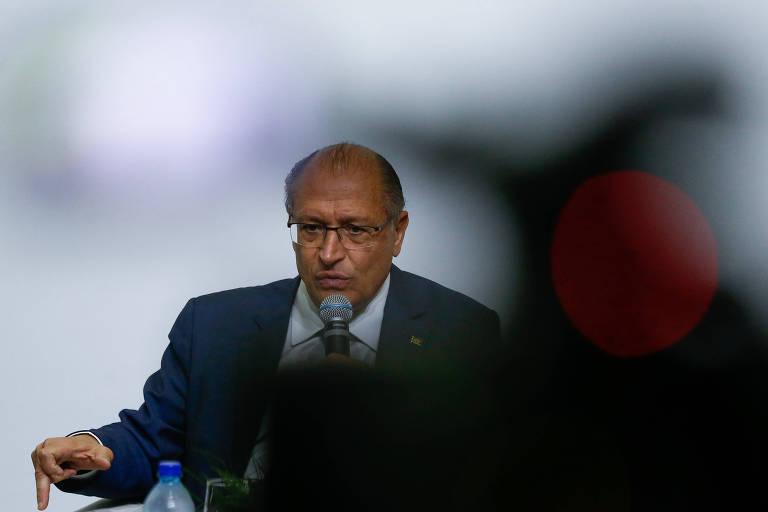 O ex-governador de SP Geraldo Alckmin (PSDB) durante sabatina, no DF
