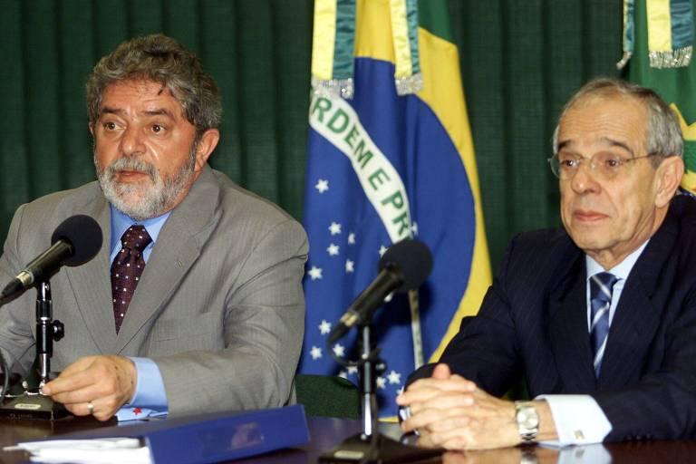 Lula e o então ministro da Justiça, Márcio Thomaz Bastos, no primeiro ano do governo petista, em 2003