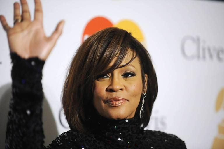 Whitney Houston durante evento de gala em fevereiro de 2011