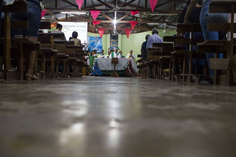 Documento do Vaticano sugere uso de homens casados como padres na Amazônia