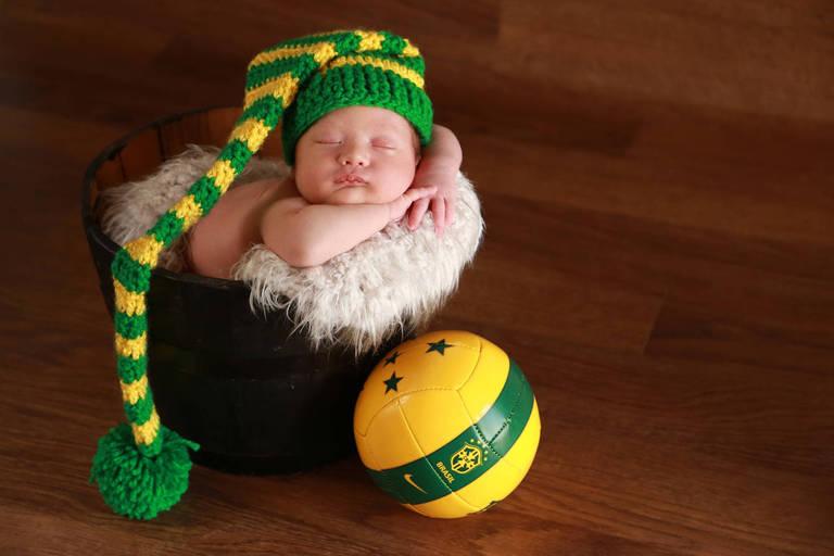 Bebês em clima de Copa do Mundo