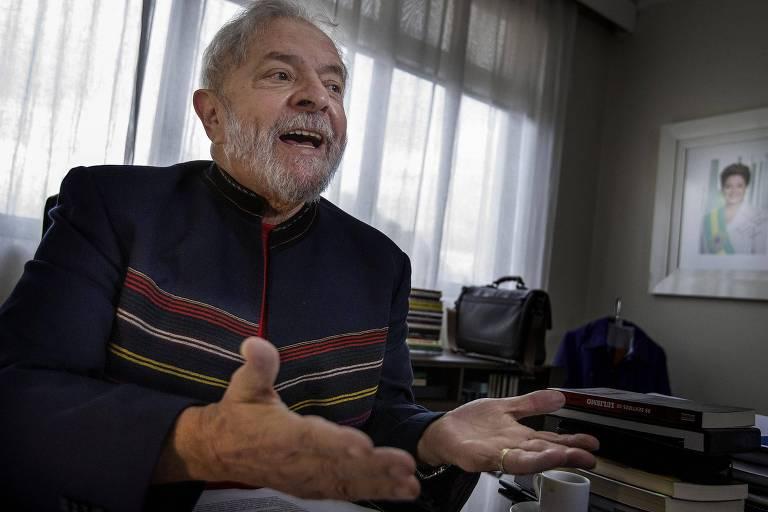 O ex-presidente Lula durante entrevista no Instituto Lula