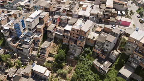 MAUÁ, SP, 17.01.2018 - Casas em área de risco no bairro do Macuco, em Mauá. (Foto: Danilo Verpa/Folhapress)