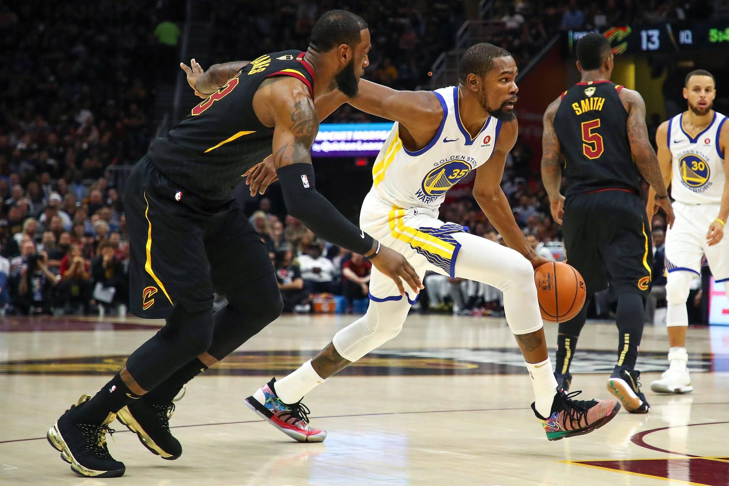 Golden State  varre  Cleveland e ganha NBA pela 3ª vez em 4 anos - 09 06 2018  - Esporte - Folha 1ee743ba25858