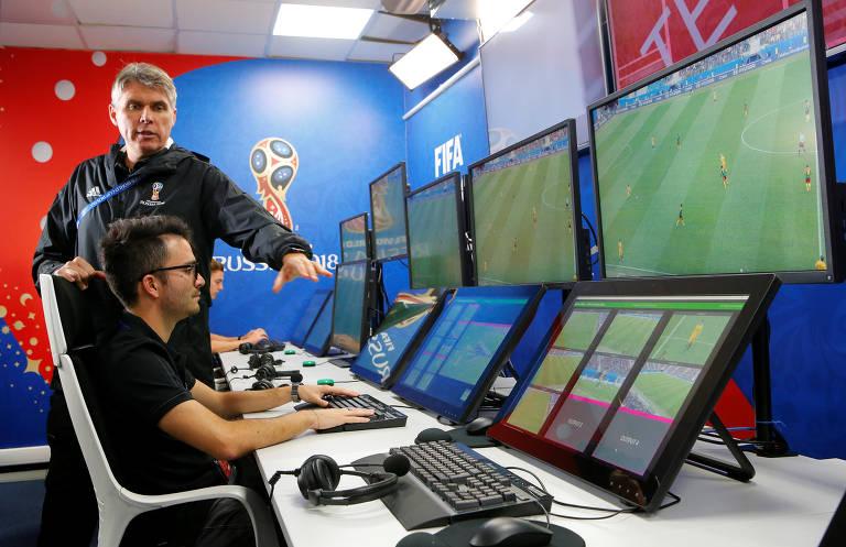 Sala dos árbitros de vídeo na Copa do Mundo da Rússia