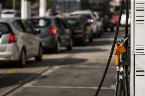 Nova gasolina se torna obrigatória em agosto e deve ser mais cara