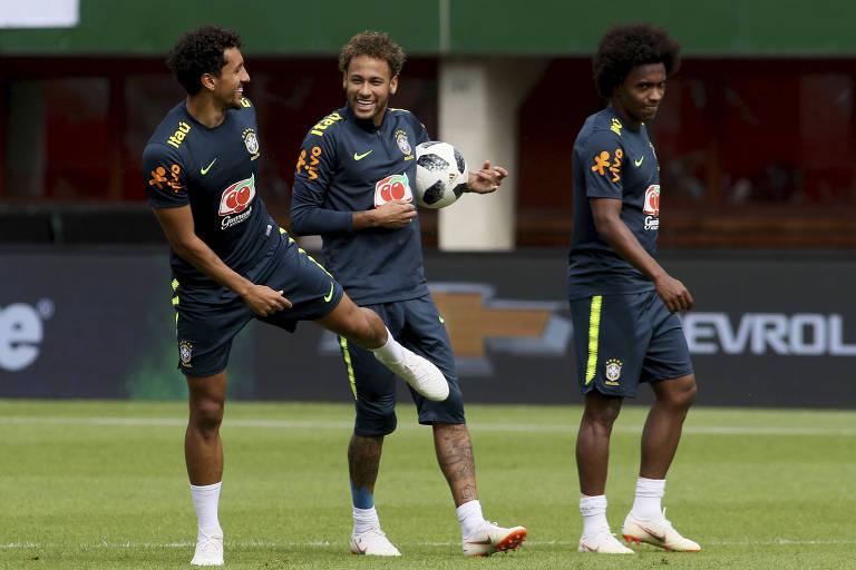 Marquinhos, Neymar e Willian em treino do Brasil antes de amistoso com a Áustria