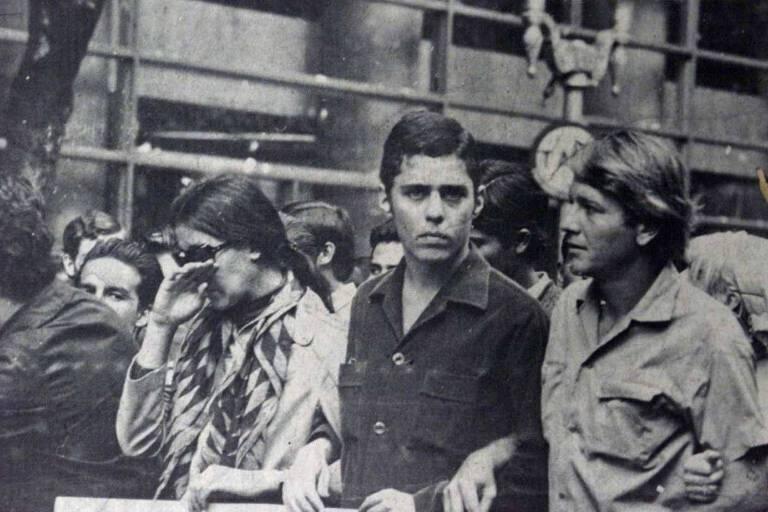 O compositor Chico Buarque e o ator Arduíno Colassanti na manifestação