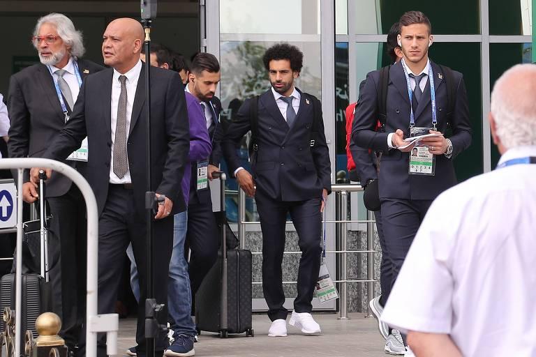 Salah e companheiros da delegação do Egito chegaram a Grozni neste domingo (10)