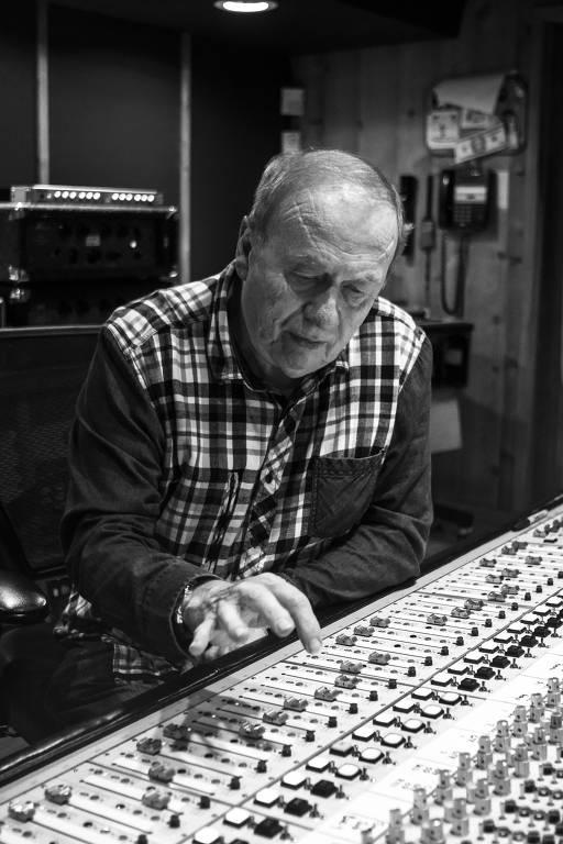 Geoff Emerick, ex-engenheiro de som dos Beatles, vem ao Brasil apresentar workshops em Porto Alegre (RS)