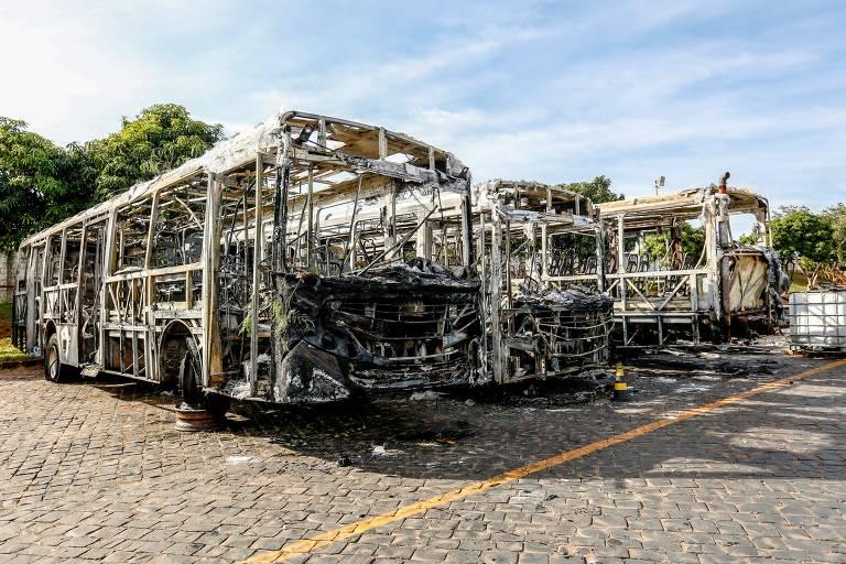 Ataques a ônibus em MG