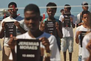 Protesto contra a morte de crianças no Rio de Janeiro (RJ).