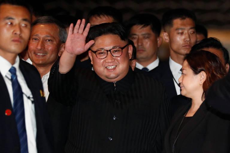 O ditador norte-coreano, Kim Jong-un, em visita a hotel em Singapura