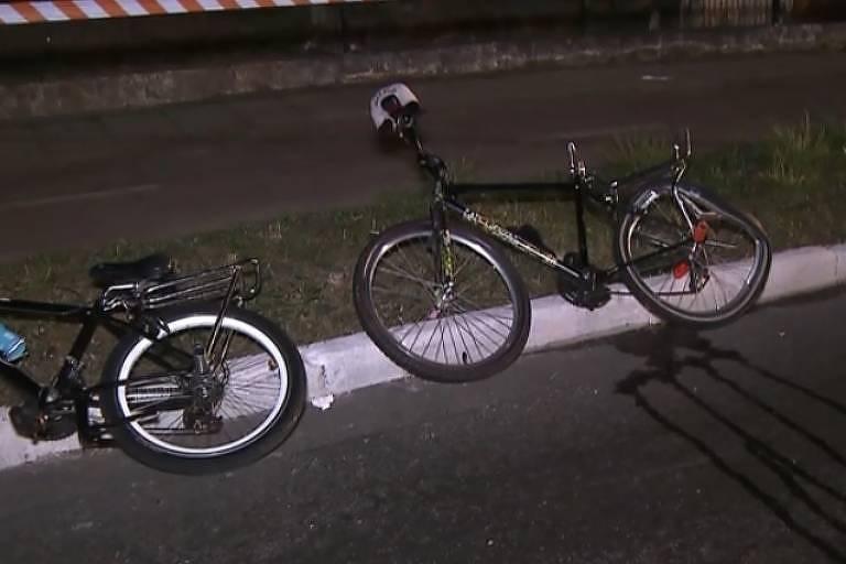 Bicicleta usada pelo adolescente quando foi atropelado em SP